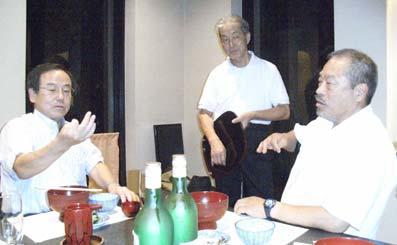 真ん中が荻野さんです。左が収ちゃん