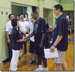 市長練習tvレジー握手ピンマイク